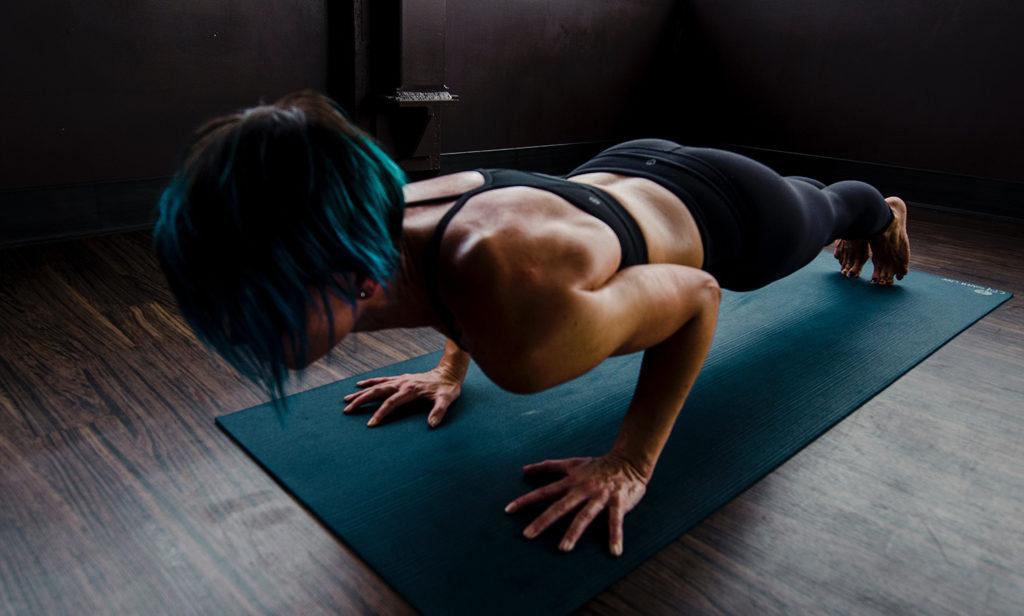 שכיבות סמיכה – כך תבצעו זאת נכון מבלי לסכן את הגב התחתון