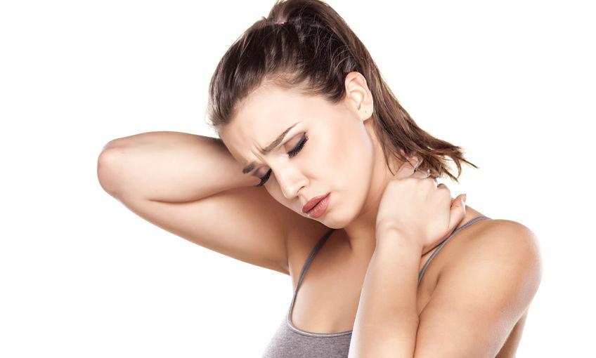 תרגיל לשחרור צוואר תפוס ומגבלה בתנועת סיבוב הראש